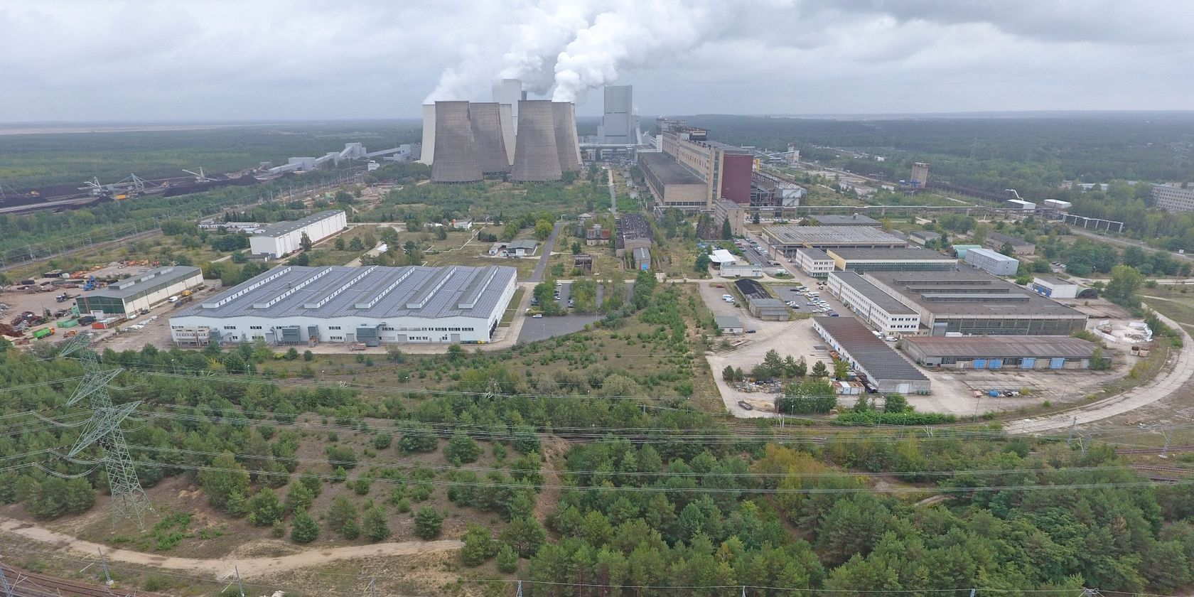 LEAG Kraftwerk Boxberg aus der Luft im Lausitzer Revier