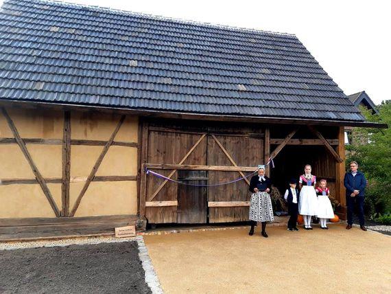 Einweihung der Lehmfachwerkscheune auf dem Schuster-Hof in Trebendorf, Foto: LEAG