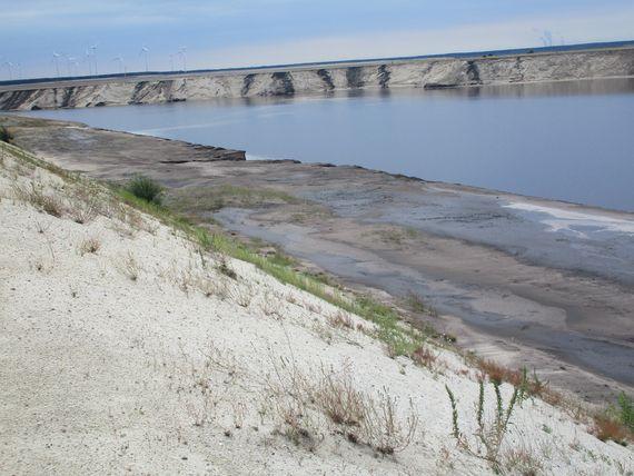Überflutung der einstigen Brückenarbeitsebene nach einer Flutwelle, Foto: LEAG