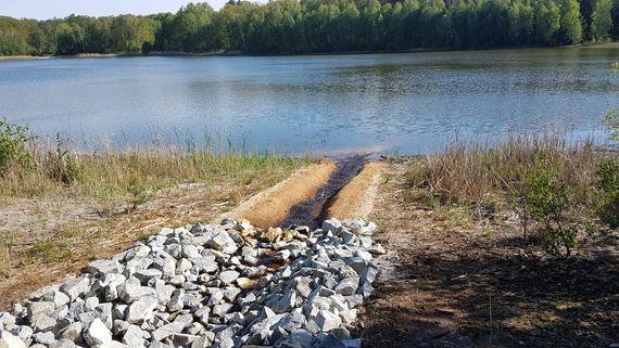 Wassereinleitung in den Kleinsee, Foto: LEAG