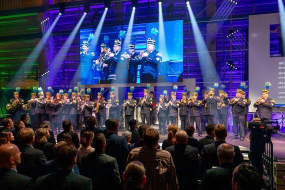 Das Orchester Lausitzer Braunkohle im Dezember 2019 bei der Barbarafeier der LEAG, Foto: LEAG