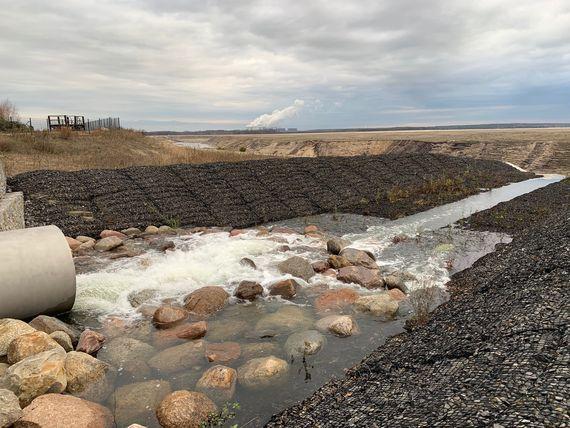 Wassereinleitung in den Cottbuser Ostsee zur Stabilisierung von Wasserstand und Wasserbeschaffenheit, Foto: LEAG