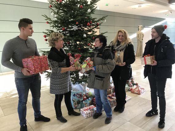 Geschenkeübergabe an das SOS-Kindorf Cottbus