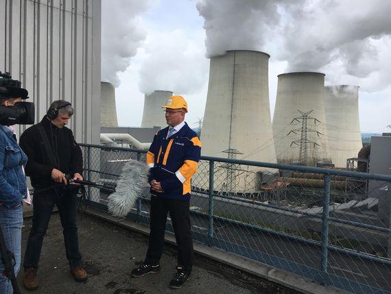 Kraftwerksleiter Andreas Thiem erklärt die Herausforderungen zur Umsetzung der Sicherheitsbereitschaft, Foto: LEAG
