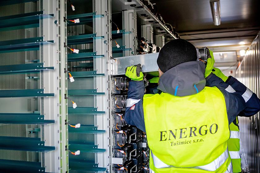 Montierung von Batteriemodulen der BigBattery Lausitz