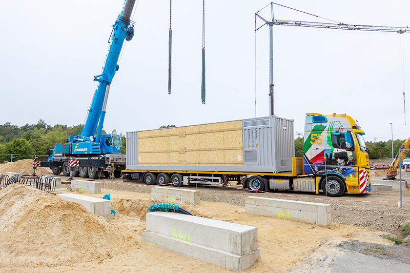 BigBattery Lausitz – erste Containerlieferung
